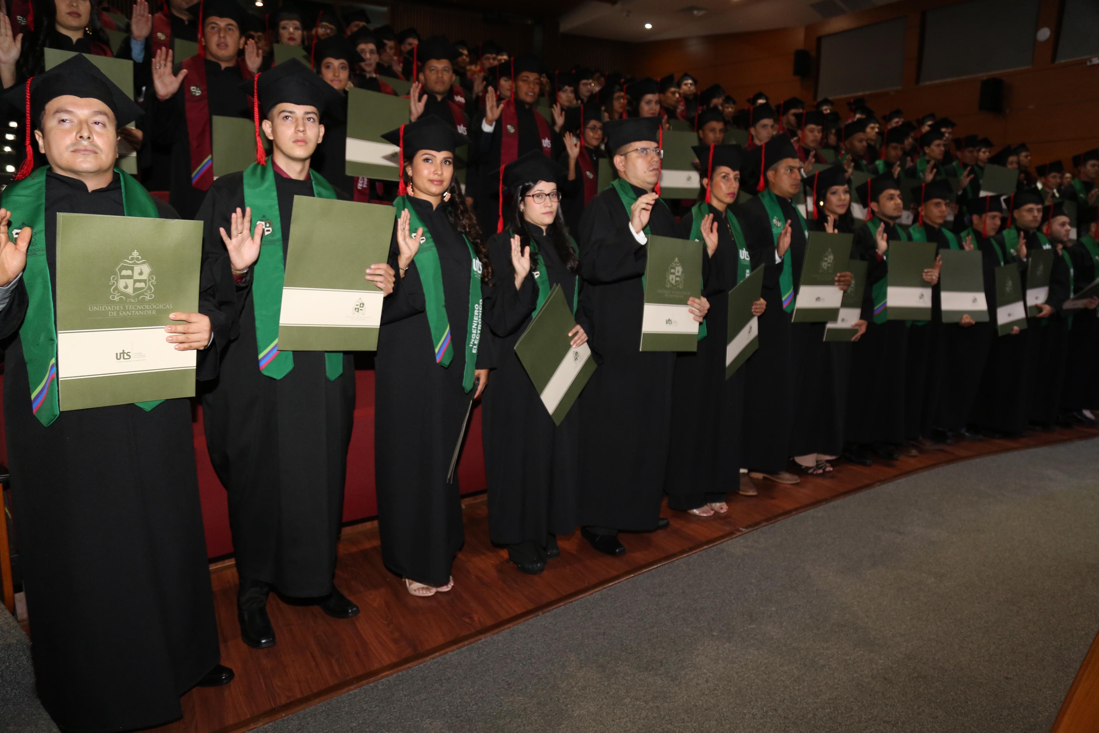 Grados UTS Bucaramanga