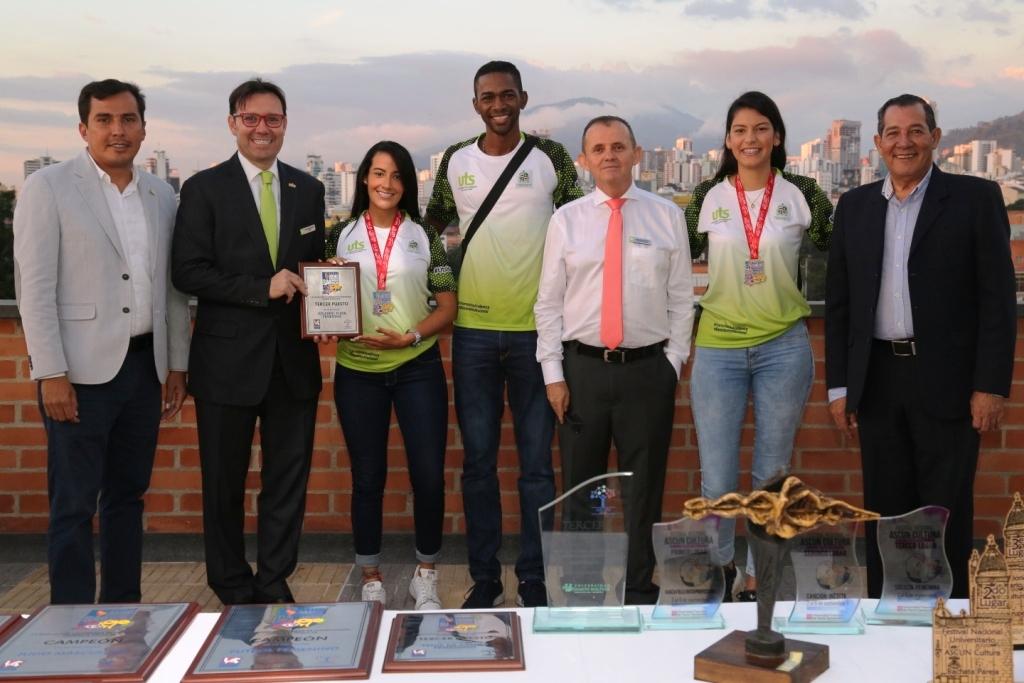 Trofeos de deportistas uteístas